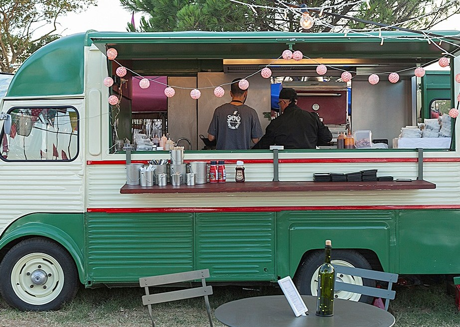 Bini Van Food Truck by Saó Catering
